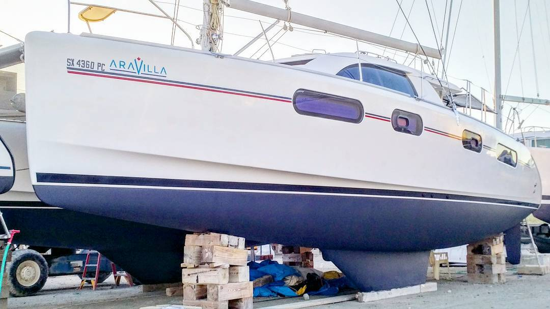 We've been quiet lately and apologize for the absence – we've been working hard on yacht repairs and relaunching ARAVILLA. Work is wrapped up – bottom is now painted and her beautiful hull is polished and ready to rock the 2017-2018 season. If you're thinking this isn't the year to come visit, think again! The islands are vibrant, stunning, and the people are amazing. Airlines are resuming routes and prices are fantastic. Contact us for your exclusive vacation package today